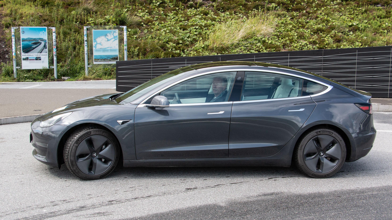 Test av rekkevidde og lading av Tesla Model 3   NAF