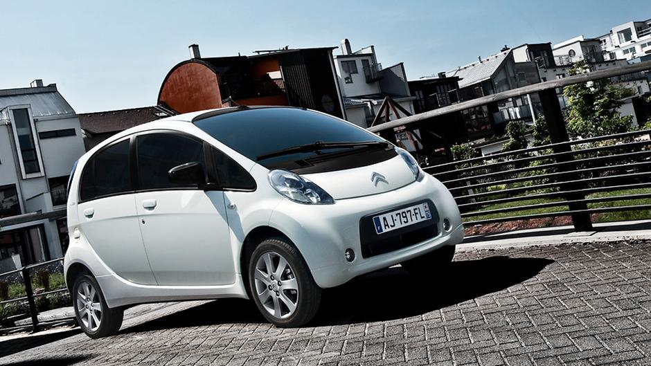 Slik lader du Mitsubishi i MiEV, Peugeot iOn og Citroën C